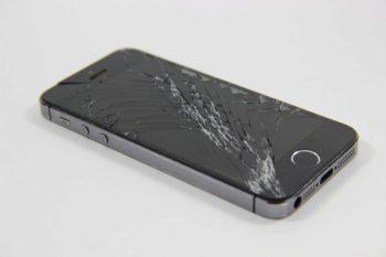 Téléphone cassé: vaut-il mieux le changer ou tenter la réparation?