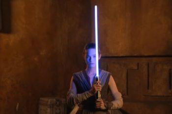 Star Wars: Disney présente un sabre laser plus vrai que nature