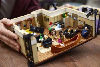 LEGO dévoile un nouveau set de la série F.R.I.E.N.D.S. avec les appartements de Monica/Rachel et Joey/Chandler