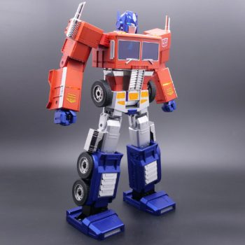 Hasbro lance un Optimus Prime auto-transformable !