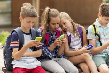 40% des enfants de moins de 13 ans utilisent les réseaux sociaux, alors qu'ils n'ont pas le droit